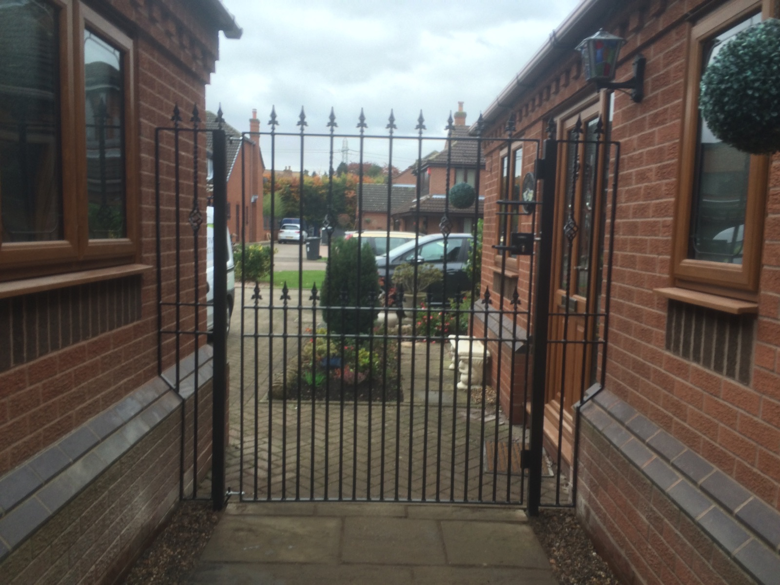 Metal Side Gate fitted between 2 house walls