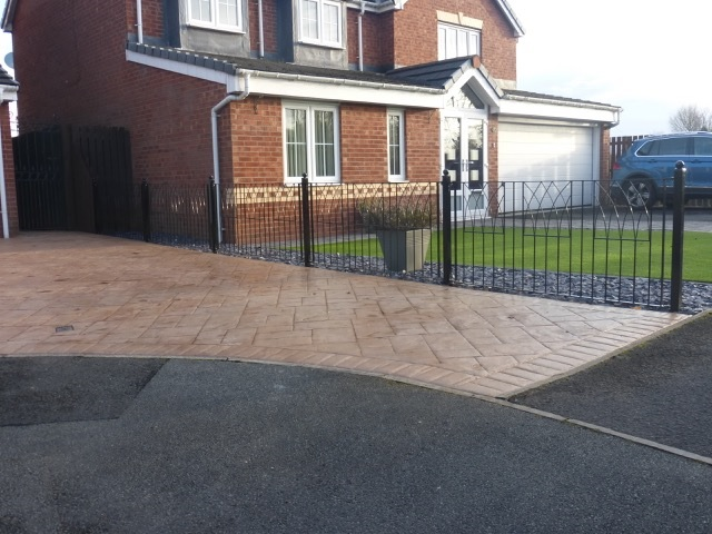 Abbey metal fencing installed to separate 2 new build homes