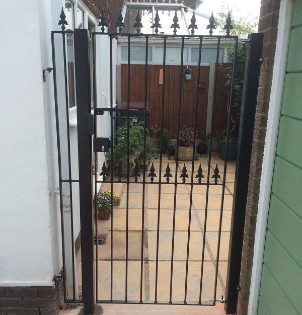 Bespoke side garden gate with spear top metal infill panel