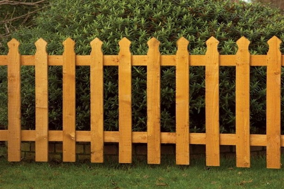 Grange Tulip Picket Fence Panel