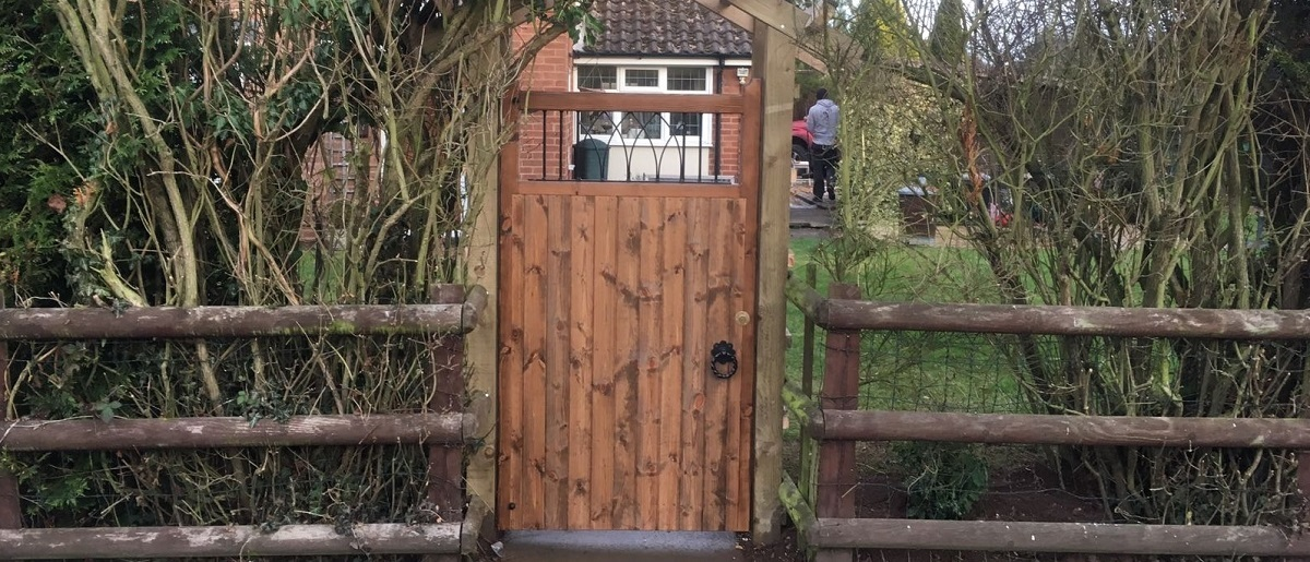 Windsor wooden side gate fitted to pedestrian entrance