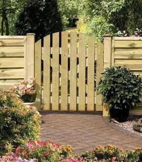 Dome Ledge & Braced Wooden Garden Gate