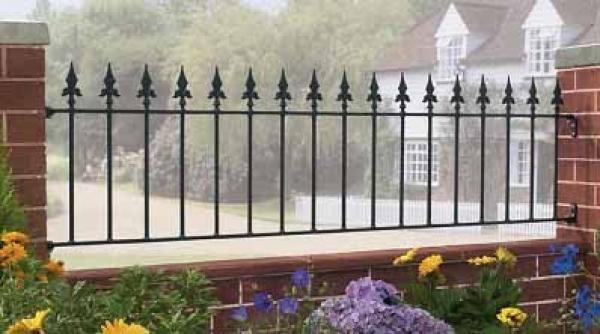 Saxon Wrought Iron Style Metal Garden Railings