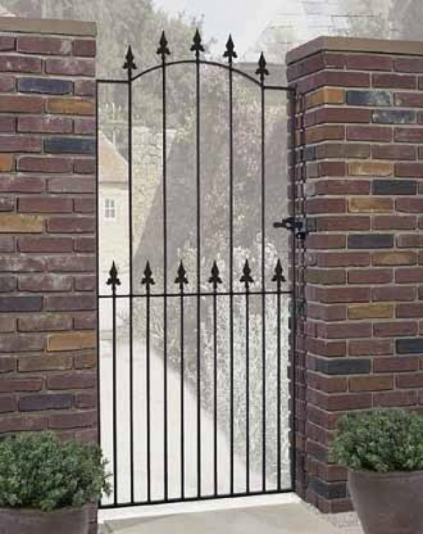Saxon Tall Metal Side Gate