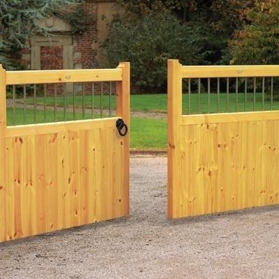 Bordeaux Wooden Driveway Gates | 4ft High