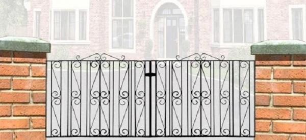 Buckingham Metal Driveway Gates