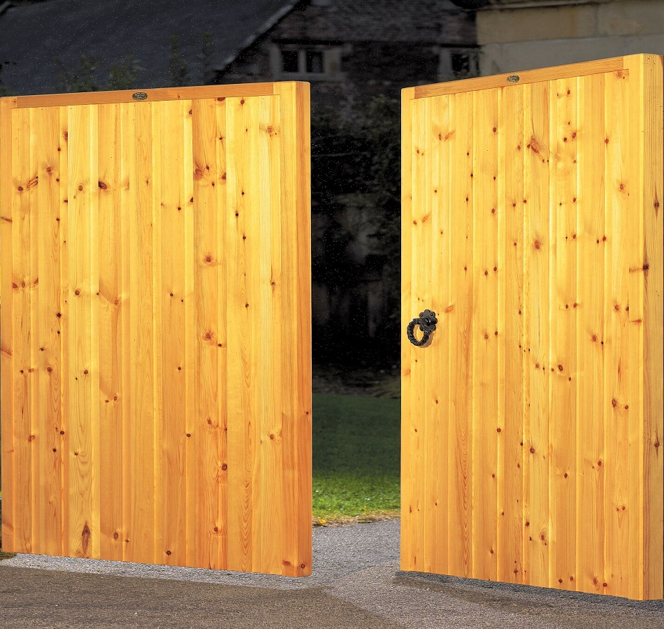 Dalby Wooden Driveway Gates | 4ft High