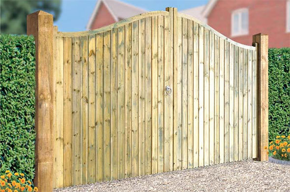 Drayton Shaped Top Wooden Estate Gates | 1.8m High