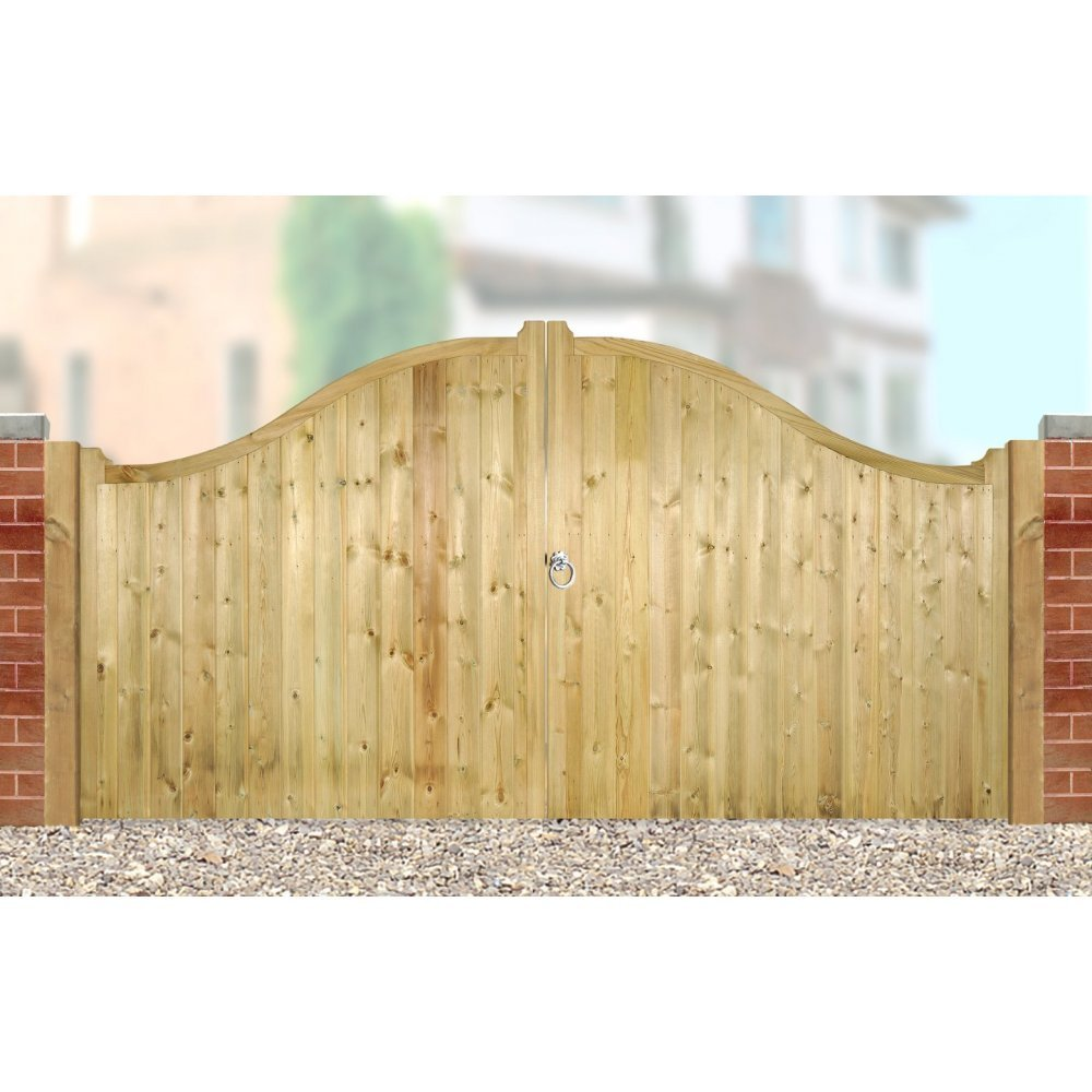 Drayton Shaped Top Wooden Driveway Gates