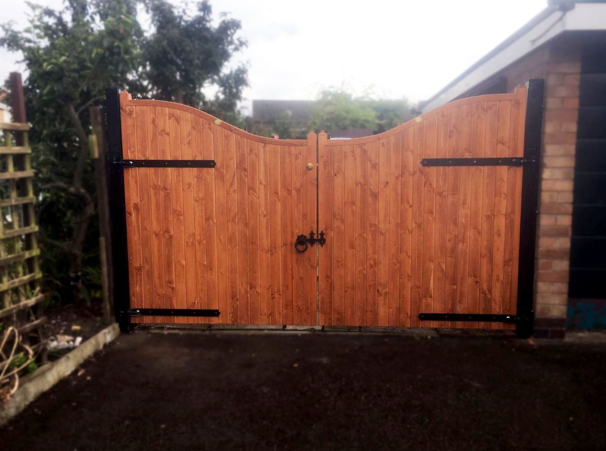 Essex Wooden Estate Gates Low Centre Buy Essex Wooden