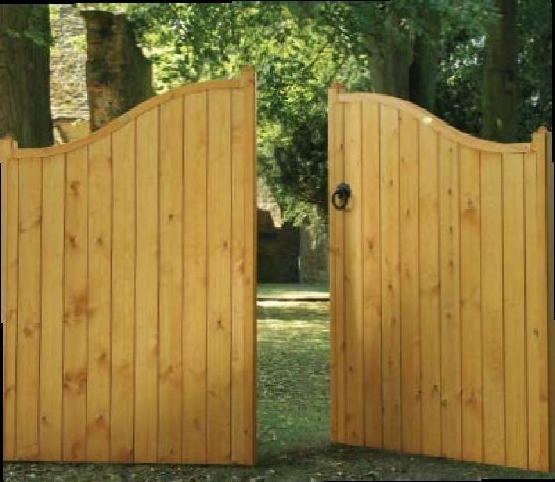 Essex Wooden Estate Gates | High Centre