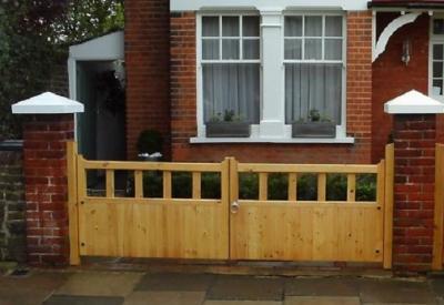 Gloucester Wooden Driveway Gates | 3ft High
