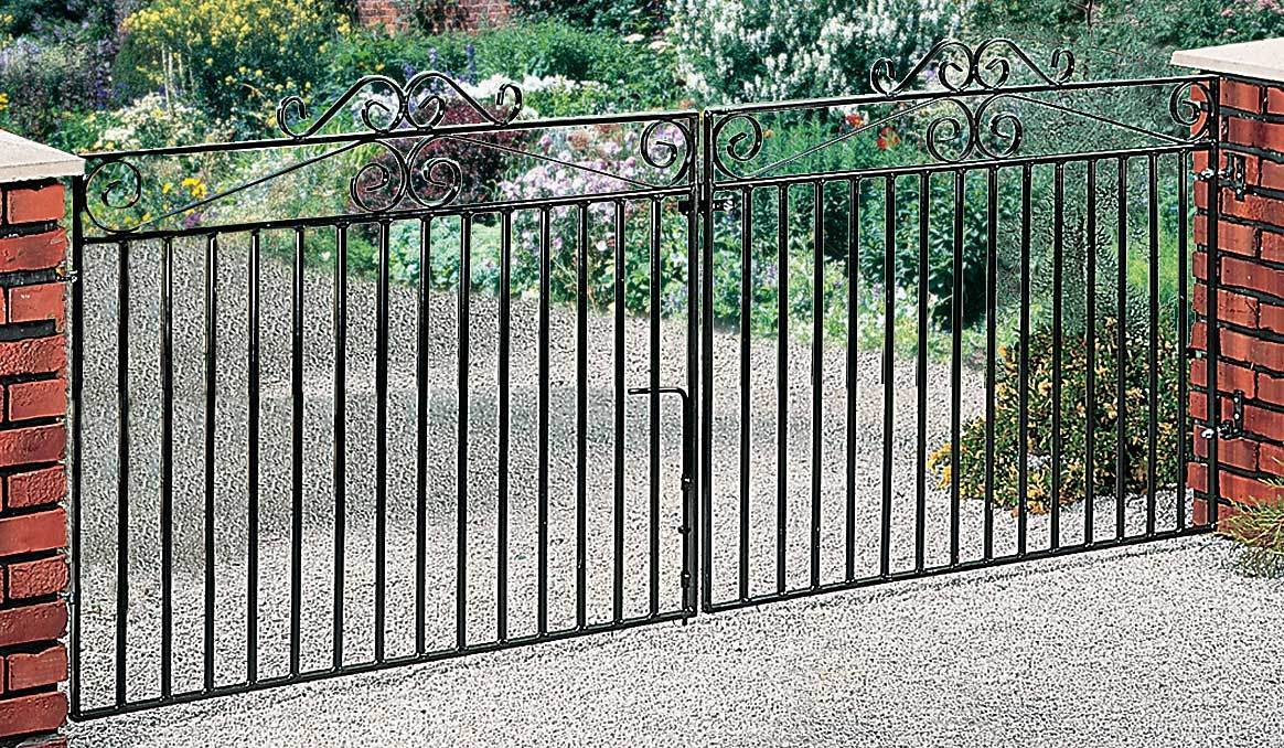 Marlborough Metal Driveway Gates | 3ft High