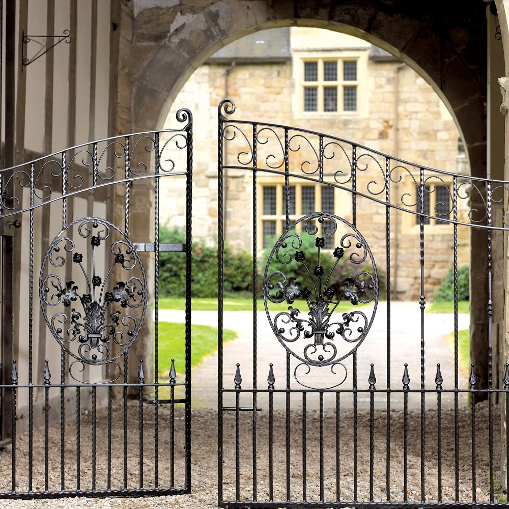 Balmoral Wrought Iron Style Estate Gates (Arched)