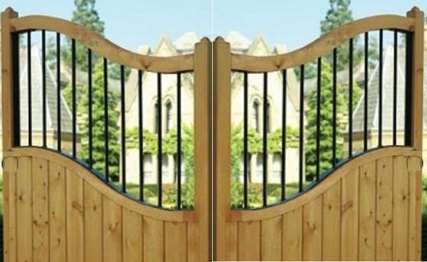 Shrewsbury Wooden Estate Gates | Low Centre