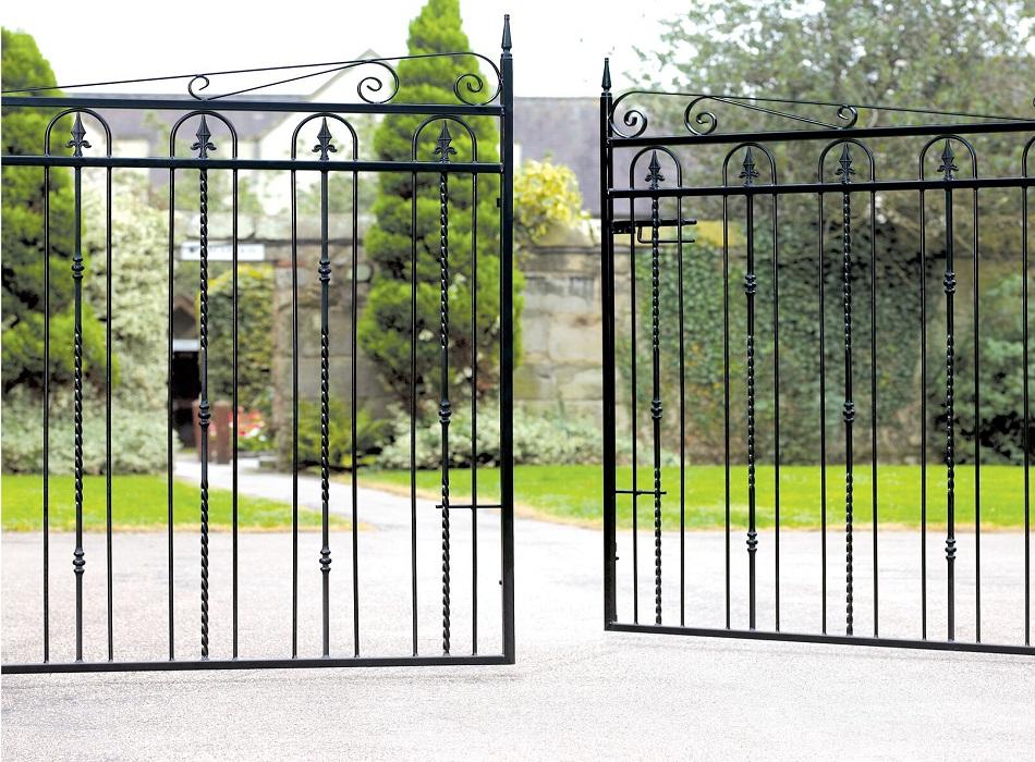 Windsor Metal Driveway Gates